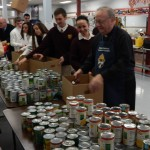 GC Students Help Out Local Families and Parishes During Thanksgiving Drive!